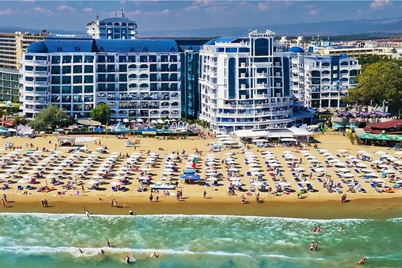 Hotel CHAIKA BEACH -