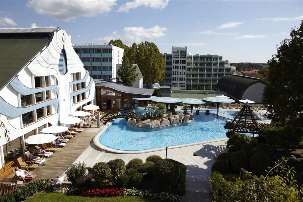 Hotel CARBONA - Hévíz
