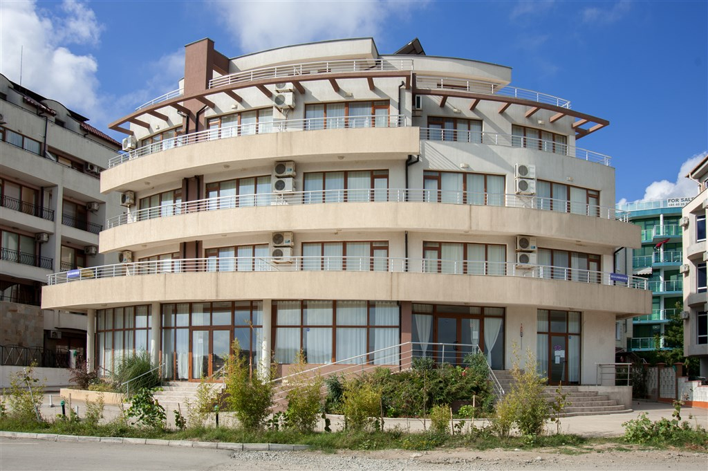 PERLA PLAYA FAMILY HOTEL -