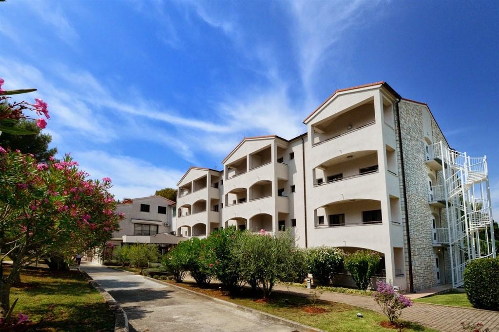 Hotel FLORES - Peloponés