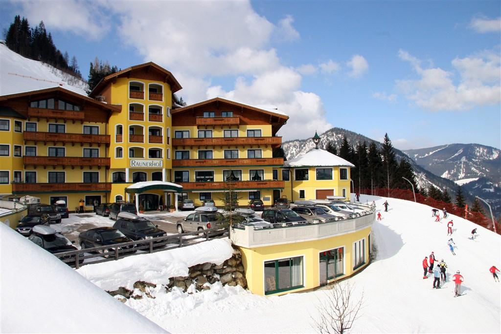 Hotel GUT RAUNERHOF - Bešeňová
