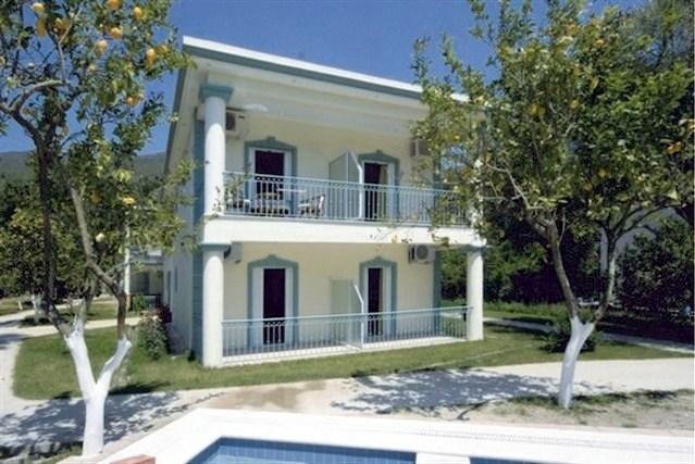 GARDEN HOUSE -