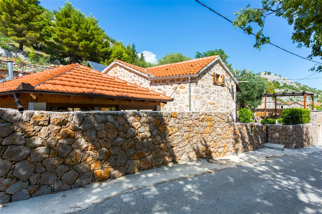 Vila JUCINOVI DVORI - Starigrad