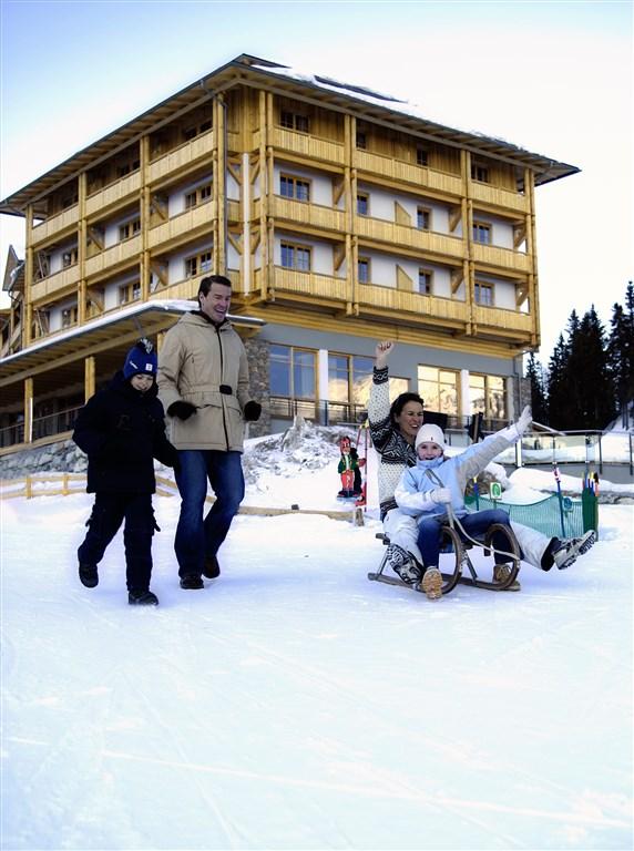 Hotel FALKENSTEINER CRISTALLO - Baška Voda