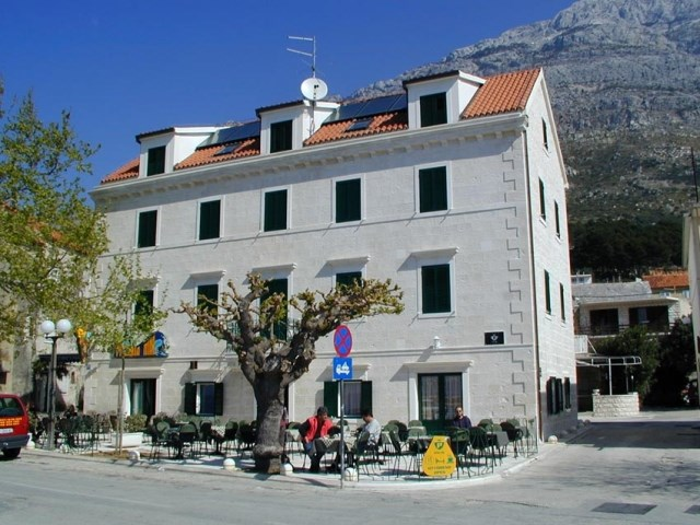 Aparthotel PALAC - Baška Voda
