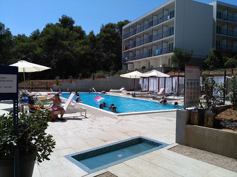 Senses Resort VRBOSKA -